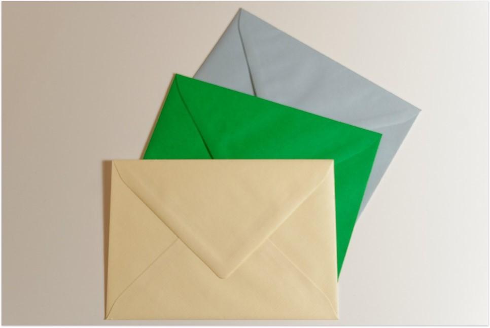Customiser une enveloppe d'invitation, de façon simple et efficace