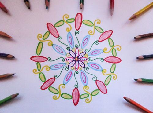 12 étapes faciles pour dessiner un joli mandala, sans compas